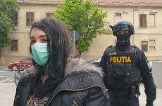 femeie, terorism