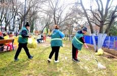 curatenie parc
