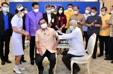 Premierul Thailandei Prayut Chan-ocha vaccin