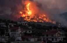 incendiu schinos grecia