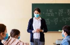 profesor profesoara scoala cursuri educatie elevi