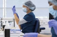 vaccin covid medic cercetare cercetator analize