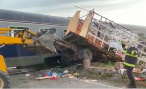 accident tren camion stupi