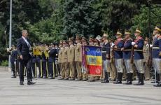iohannis armata trecere in revista, garda de onoare