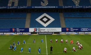 fotbal genunchi black matters