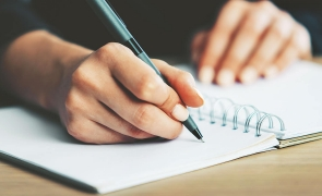 scriitura scriitor scrie caiet