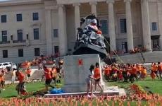 Regina Victoria statuie