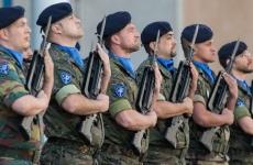 Eurocorps militari soldati arme