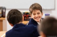 copii fericiti scoala