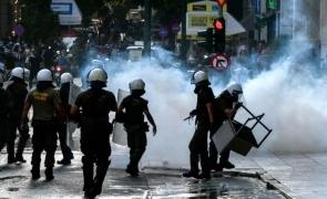 Grecia politie manifestanti protest