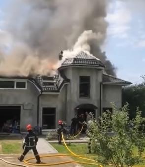casa in flacari pompieri