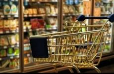 comert cumparaturi carucior supermarket magazin