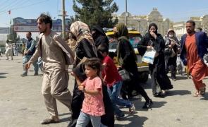 afganii fug de talibani