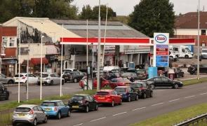 coada benzinarie Marea Britanie