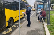 control masca covid politie statie autobuz