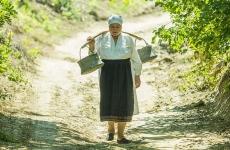 femeie din mediu rural sat